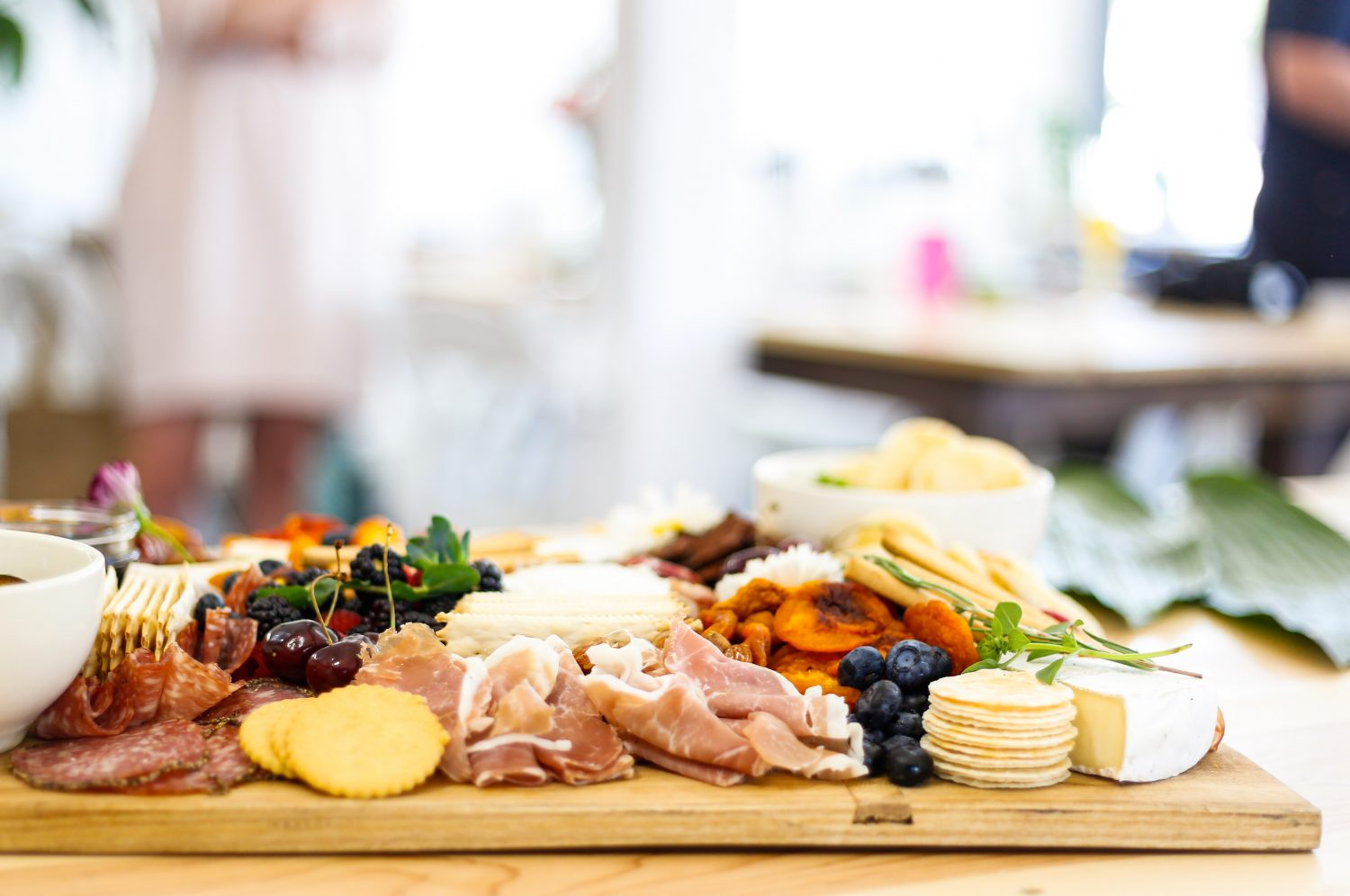 How to Put Together a GREAT Cheese Platter