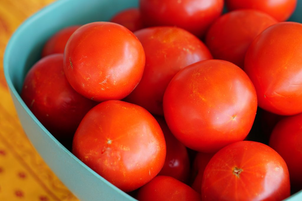 Big bowl of red tomatoes